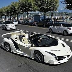 Sport Car in the World There are Ferrari cars and trucks Lamborghini Hennessey Venom Koenigsegg Agera RS Bugatti Veyron Bugatti Chiron and so on Luxury Sports Cars, Top Luxury Cars, Exotic Sports Cars, Cool Sports Cars, Super Sport Cars, Exotic Cars, Cool Cars, Lamborghini Veneno, Carros Lamborghini