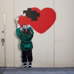 iHEART für das Vancouver Mural Festival in Kanada Banksy Graffiti, Arte Banksy, Love Graffiti, Graffiti Wall Art, Berlin Graffiti, Bansky, Murals Street Art, Street Art Banksy, Street Art Love