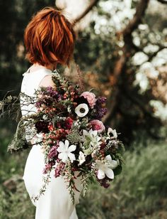 lush + textural bouquet | image via: greenweddingshoes