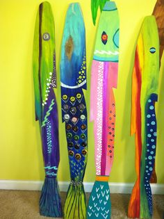 Painted Pallet Fish with recycled bottle caps. By Glassmermaid- T Petree-Bradley