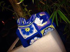 Bauletto in lana blu e giallo ,con chiusura lampo !