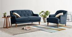 Ariana 2-Sitzer Sofa, Samt in Saphirblau ► Neues Design für dein Wohnzimmer! Entdecke jetzt bequeme und schicke Sofas bei MADE.