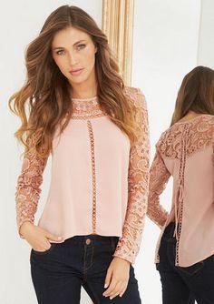 Top with lace, linda blusa con encaje y de listón en la espalda