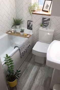 Hows manys too many? Im making the most of the bathroom being clean and taking a pic for the gram :). Grey Bathroom Floor, Gray And White Bathroom, Wood Bathroom, Modern Bathroom, Bathroom Shelves, Bathroom Storage, Small Bathroom Ideas Uk, Plants In Bathroom, Small Bathroom With Bath