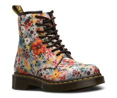 Shop Women's Boots & Shoes on the official Dr. Martens like the Women'S 1460 Smooth, 1460 Smooth, and null in a variety of leathers, textures and colors. Dr Martens 1460, Doc Martens Stil, Style Doc Martens, Dr Martens Stiefel, Doc Martens Boots, Doc Martens Floral, Knee High Heels, High Heel Boots, Heeled Boots