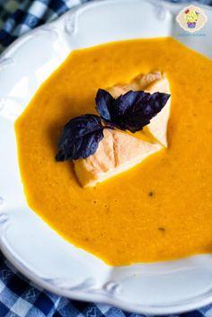 Zupa krem z dyni z pomarańczą - DusiowaKuchnia.pl Thai Red Curry, Pesto, Ethnic Recipes, Food, Hoods, Meals