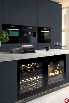 12 Nice Ideas for Your Modern Kitchen Design black kitchen units interior design Cabnits Kitchen, Kitchen Stove, Kitchen Pantry, Kitchen Appliances, Kitchen Cabinets, Kitchen Units, Kitchen Countertops, Bar Cabinets, Marble Countertops