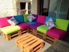 New Pallet Patio Furniture Cushions Outdoor Sofa Ideas Sectional Patio Furniture, Pallet Patio Furniture, Diy Garden Furniture, Pallet Couch, Furniture Ideas, Sofa Ideas, Sectional Sofa, Crate Furniture, Furniture Making