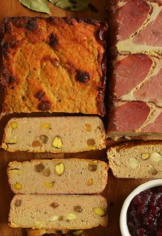 Pasztet wykwintny, doskonały na stół świąteczny Banana Bread, Food To Make, Food And Drink, Easter, Desserts, Recipes, Postres, Easter Activities, Deserts