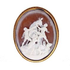 Vintage Fine Farnese Bull Naples Amphilon 18k Gold Oval Carved Cameo Pin