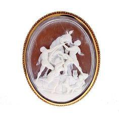 Vintage Fine Farnese Bull Naples Amphilon 18k Gold Oval Carved Cameo Pin