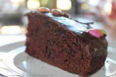 Locker, luftiger Schokoladenkuchen Ein Gedicht für die Geschmacksnerven. Super einfaches Rezept zum nachkochen auf deinem Blog Tolle Zeit.