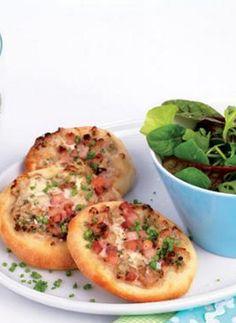 Frühlingssalat mit Mini-Flammkuchen: http://kochen.gofeminin.de/rezepte/rezept_fruhlingssalat-mit-mini-flammkuchen_325716.aspx  #flammkuchen