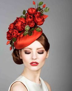 Silk taffeta beret pillbox with handmade roses Rachel Trevor Morgan Millinery Rachel Trevor Morgan, Run For The Roses, Red Hat Society, Crazy Hats, Kentucky Derby Hats, Fancy Hats, Silly Hats, Wearing A Hat, Silk Taffeta