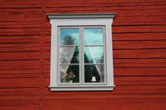 Nymans Snickeri » Galleri Red Roof House, Plank, Countryside, Facade, Sweet Home, Farmhouse, Cottage, Windows, Inspiration