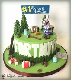 Themed Birthday Cakes, Boy Birthday Parties, Themed Cakes, 10th Birthday, Roblox Cake, Amazing Chocolate Cake Recipe, Cake Piping, Gorgeous Cakes, Cakes For Boys