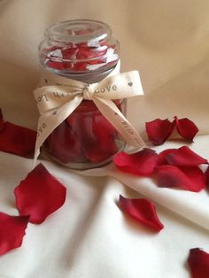 Glass+jar+filled+with+fabric+rose+petals+topped+by+Cherrypoppets,+£3.50