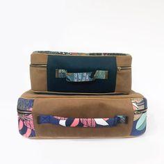 patron valise Nouméa Pyjamas, Couture, Bags, Fashion, Zipper Bags, Retro Look, Handbags, Moda, Fashion Styles