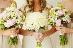 Bouquets bride and Bridesmaids Marry Me Charlie www.marrymecharlie.com