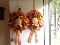 Fall Wreaths made from Straw Hats Spring Hats, Fall Hats, Hat Crafts, Diy And Crafts, Fall Wreaths, Door Wreaths, Halloween Projects, How To Make Wreaths, Flower Arrangements