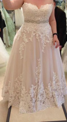 I may have found my wedding dress but the tag was cut out. Can anyone help identify this dress? : I may have found my wedding dress but the tag was cut out. Can anyone help identify this dress? Western Wedding Dresses, Plus Size Wedding Gowns, Wedding Dress Styles, Dream Wedding Dresses, Plus Size Dresses, Bridal Dresses, Lace Wedding, Davids Bridal Plus Size, 50s Wedding