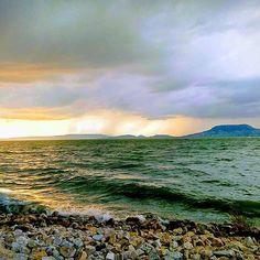 Reposted from @peziicar -  #balatonpart #kicsibalaton #balaton #badacsony #hungary #hungarykum #naplemente #vízpart #fonyód #sun #hungarysea # @smugmeal & @nr86hu & www.balaton.website - #regrann Hungary, Celestial, Mountains, Sunset, Nature, Travel, Outdoor, Instagram, Sunsets