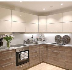 Paint Ideas For Kitchen Walls is totally important for your home. Whether you pick the Top Of Cabinets Decor Kitchen or Kitchen Decor Ideas Decoration, you will create the best Kitchen Soffit Decorating Ideas for your own life. Modern Kitchen Interiors, Kitchen Decor, Kitchen Inspiration Design, Interior Design Kitchen, Kitchen Soffit, Home Decor Kitchen, Kitchen Room Design, Kitchen Remodel, Kitchen Renovation