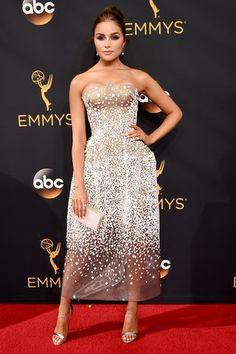 From Kerry Washington in sexy black to Padma Lakshmi in glittering sequins.