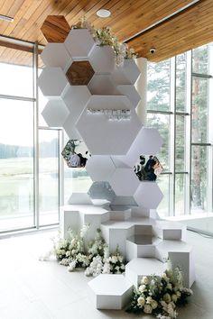 Wedding Altars, Wedding Reception Decorations, Decoration Evenementielle, Preparing For Marriage, Wedding Couple Photos, Modern Flower Arrangements, Wedding Stage, Wedding Rentals, Elegant Homes