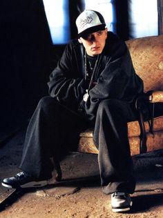 Listen to every Eminem track @ Iomoio