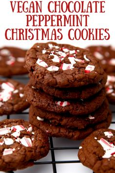 These easy chocolate mint cookies topped with crushed candy canes are perfect for the holidays. They're fun, easy to make, and beautiful! Easy to make gluten-free too! #thehiddenveggies Christmas Main Dishes, Vegan Christmas Dinner, Christmas Treats, Christmas Recipes, Christmas Cookies, Holiday Recipes, Vegan Chocolate Brownies, Chocolate Mint Cookies, Chocolate Sweets