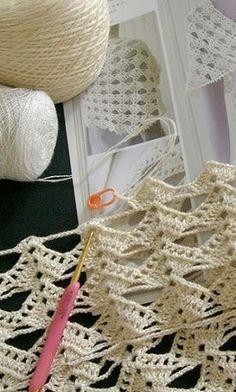 Diy Crafts - Super Ideas For Crochet Poncho Patterns Tutorials English crochet Gilet Crochet, Crochet Poncho Patterns, Crochet Motifs, Crochet Diagram, Crochet Art, Crochet Scarves, Crochet Shawl, Crochet Crafts, Crochet Doilies