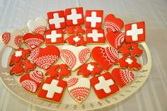 Inspiration: Swiss cookies (no recipe). Nice to serve on August Swiss National Day. The day is in honour of founding the Swiss Confederation in The confederation began with only 3 cantons and since has grown to 26 cantons. National Days August, Swiss National Day, Swiss Days, Swiss Flag, Swiss Recipes, Swiss Switzerland, World Thinking Day, Cookie Designs, International Recipes