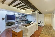Norah Jones Buys Brooklyn's 'Eat, Pray, Love' Carriage House - Celebrity Real Estate - Curbed NY