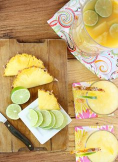 Pineapple Margaritas for #CocktailDay from @Miss in the Kitchen | Milisa