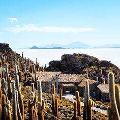 Scenic views of the world's largest salt flat, Salar de Uyuni, Bolivia. Photo courtesy of globeguide on Instagram.