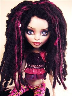 Yarn Acrylic Black Wig Monster High by Monster High Crafts, Custom Monster High Dolls, Monster Dolls, Monster High Repaint, Custom Dolls, Ooak Dolls, Blythe Dolls, Girl Dolls, Pretty Dolls