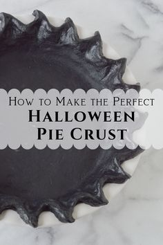 This easy pie dough recipe uses activated charcoal to give this pie crust a coal black look – dye free! It's perfect for the halloween holiday season or anytime you're looking for a fun and different pie! Tart Crust Recipe, Pie Dough Recipe, Holiday Pies, Holiday Recipes, Holiday Meals, Halloween Treats, Halloween Foods, Halloween Projects, Halloween Diy