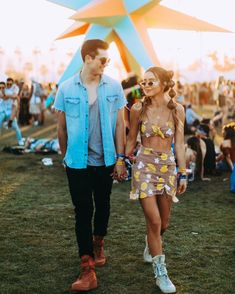 online store 8f6ac 0c239 Couple shoe game on point 👟  Coachella Coachella 2018, Coachella Festival,  Festival Outfits
