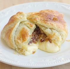 Paula Deen's Brie En Croute, super easy and tasty!