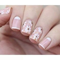 have a collection of 15 simple & easy spring nail art designs, ideas & stickers of Spring Nail Art, Spring Nails, Summer Nails, Daisy Nails, Flower Nails, Cute Nails, Pretty Nails, Floral Nail Art, Trendy Nail Art