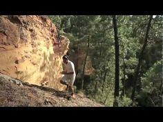 """Kilian Jornet """"Correr o morir""""    Impresionante video de Kilian Jornet, corredor español dominador mundial del trail running y esquí de montaña. Es considerado, con solo 23 años, como el mejor corredor de montaña del mundo. Ha ganado en tres ocasiones el Ultra Trail Montblanc (la carrera alpina más prestigiosa y dura del mundo, de la cual posee el record) y las Skyrunner World Series, posee el record del mundo de ascenso  al Kilimanjaro y es cuádruple campeón del mundo de Esquí de Montaña."""