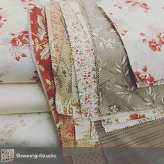 YUM! This combination of Miss Scarlet by Minick & Simpson and Larkspur by 3 Sister's is gorgeous!  We can't wait to see what the Sweetwater Cotton Shop is making! @sweetgirlstudio  #ShowMeTheModa #ModaFabrics