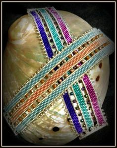 Strip It bracelet by Jimmie Boatwright. Seems to be from August 2014 Bead and Button or Beadwork.