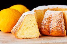 Wielkanocna babka cytrynowa Cornbread, Baked Goods, Ethnic Recipes, Food, Easter, Millet Bread, Corn Bread, Meals