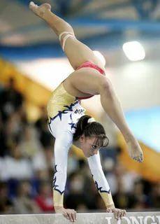 Gymnastics Images, Gymnastics Clubs, Gymnastics World, Amazing Gymnastics, Gymnastics Posters, Sport Gymnastics, Artistic Gymnastics, Olympic Gymnastics, Flexibility Dance