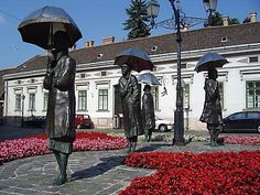 Femmes aux parapluies à Budapest