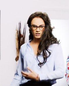Veronica hair flip.