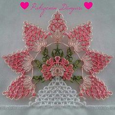 İğne oyası havlu Needle Lace, Bobbin Lace, Bead Crochet, Irish Crochet, Yarn Crafts, Diy And Crafts, Crochet Unique, Bruges Lace, Art Du Fil