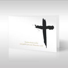 """""""Danken kostet nichts und gefällt Gott und Menschen wohl"""" – so lautet der Spruch, der im Zusammenhang mit einem Kreuz auf einer weißen Dankeskarte zu lesen ist. Das plakative Kreuz symbolisiert den Tod sowie die religiöse Komponente von Trauer und Dankbarkeit. https://www.design-trauerkarten.de/produkt/friedenskreuz-2/"""